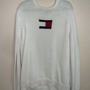 Tommy Hilfiger knit 🧶 sweater